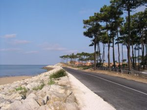 A section of the coastal road and cycle path close to Bonne Anse Plage