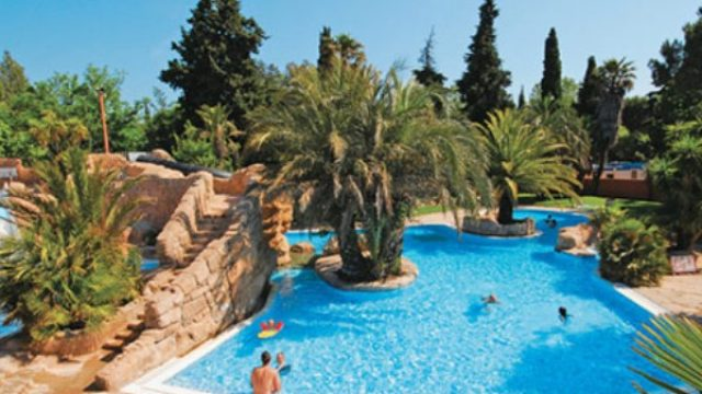 Hippocampe-Campsite-Western-Med-Pool-A-First1.jpg