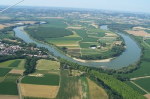 Bend in the River: Meilhan-sur-Garonne as seen from the air
