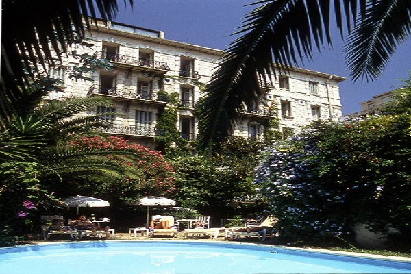 Heavenly hotels hotel windsor nice tootlafrance for Boutique hotel nice france