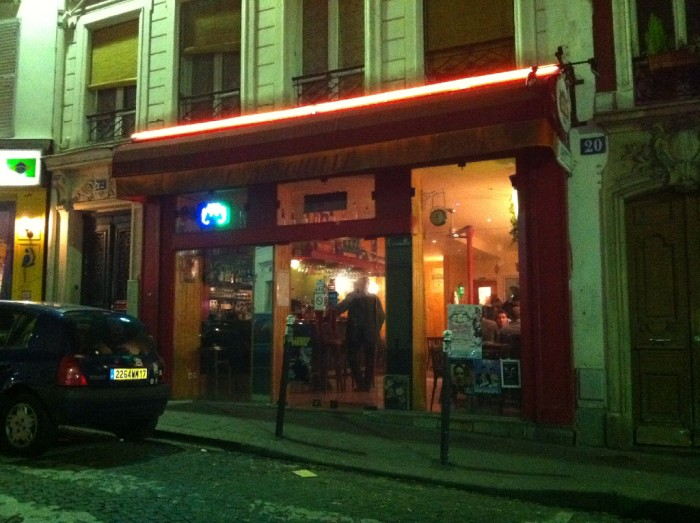 Six of the best drinking posts in paris tootlafrance for Bar la piscine paris 18