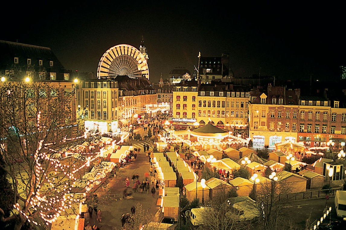 Six of the best top french christmas markets tootlafrance - Marche de noel paris defense ...