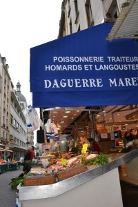 Looking down Rue Bayen at Daguerre Marée's seafood shop