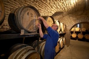 Straight from the barrel: the broaching in the Jura