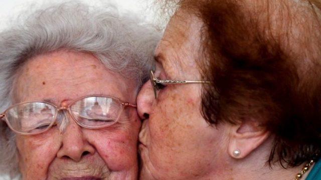 honorine-113-ans-et-sa-fille-yvette-85-ans_4081192_1000x500.jpg