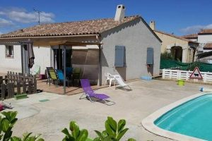 Looking to live the good life in a small  villa in the Aude with pool? Expect to pay about €200,000