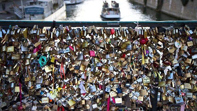 Paris Attacking Love-locks Again