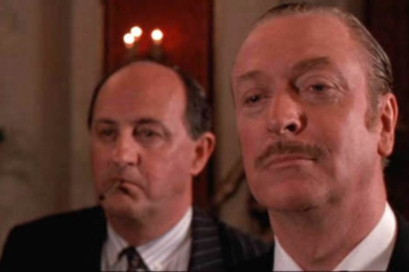 Dirty-Rotten-Scoundrels-Screencaps-michael-caine-5310463-550-310.jpg
