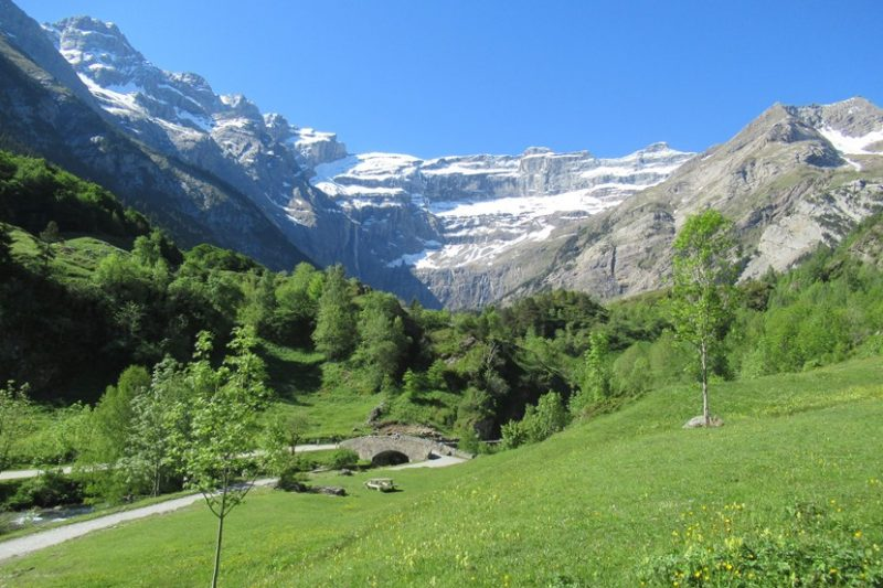 Tootlafrance-The-magnificent-Cirque-du-Gavarnie.jpg