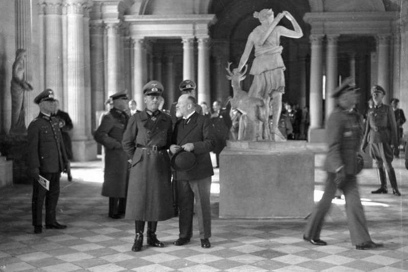 louvre-2-germans-nazis-gerd-von-rundstedt-at-the-louvre.jpg