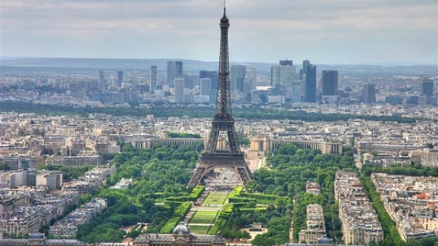 paris_eiffel_tower_skyline1.jpg