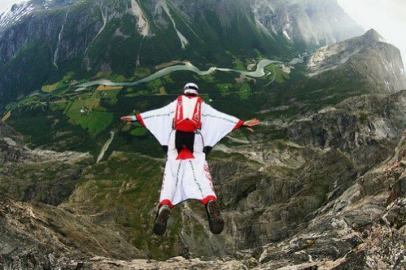 wingsuit-e1377605672687.jpg